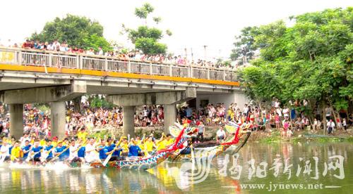 我市各地纷纷举办龙舟竞渡活动欢度端午佳节