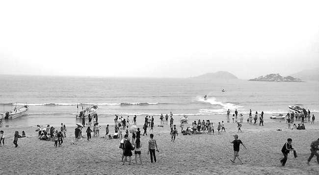 小长假首日3万多人游南澳